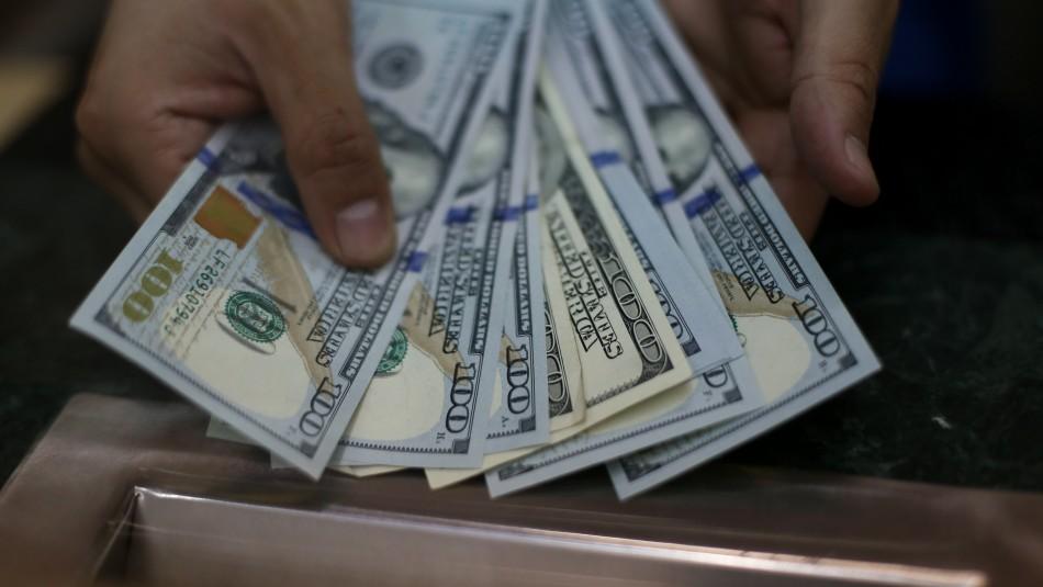 Dólar sufre fuerte caída tras aprobación de proyecto para retirar fondos AFP: Sigue el valor en directo