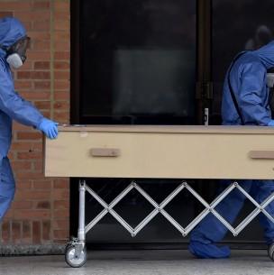 Familia de enfermera víctima del coronavirus la sepulta y luego se entera que el cuerpo fue entregado por error