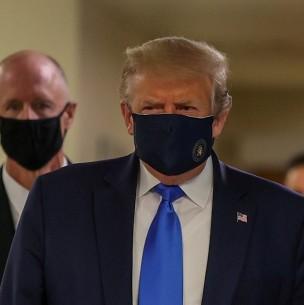 Trump se muestra en público usando mascarilla por primera vez durante la pandemia de coronavirus