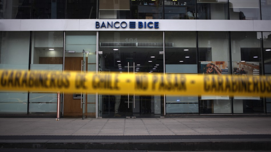 Queda en libertad sujeto acusado de robar $20 millones desde sucursal bancaria en Las Condes
