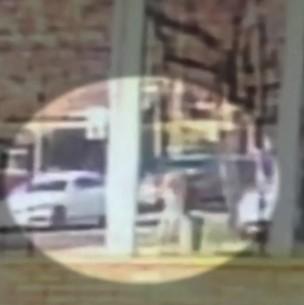 Video muestra cómo un hombre frustra asalto a balazos en Vitacura