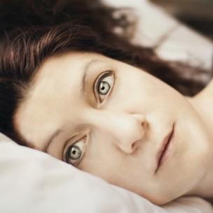 Alucinaciones visuales y auditivas: Conoce por qué se produce la parálisis del sueño y como evitarla