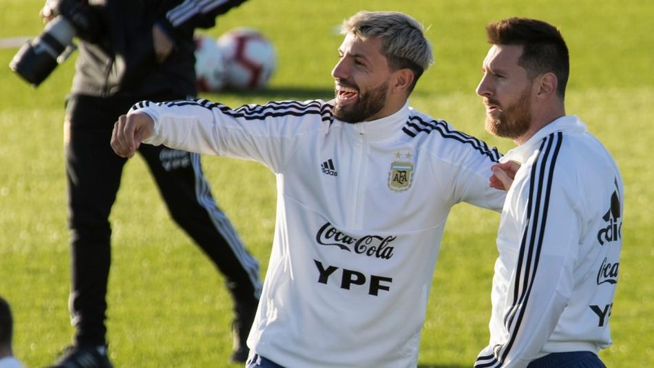 El divertido diálogo del Kun con Lionel Messi.