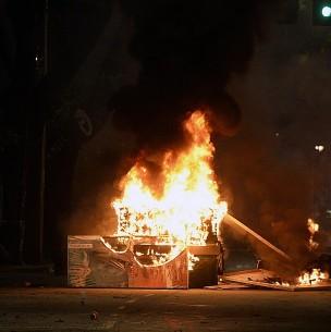 Violentos incidentes se registran en distintos puntos de la Región Metropolitana