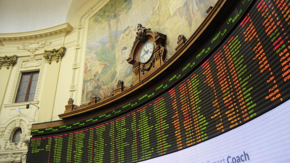 Bolsa de Santiago registra caída tras aprobación de proyecto de retiro de fondos AFP