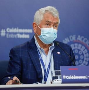 Ministro de Salud entrega positivos números de cómo han bajado los contagios de coronavirus en el país