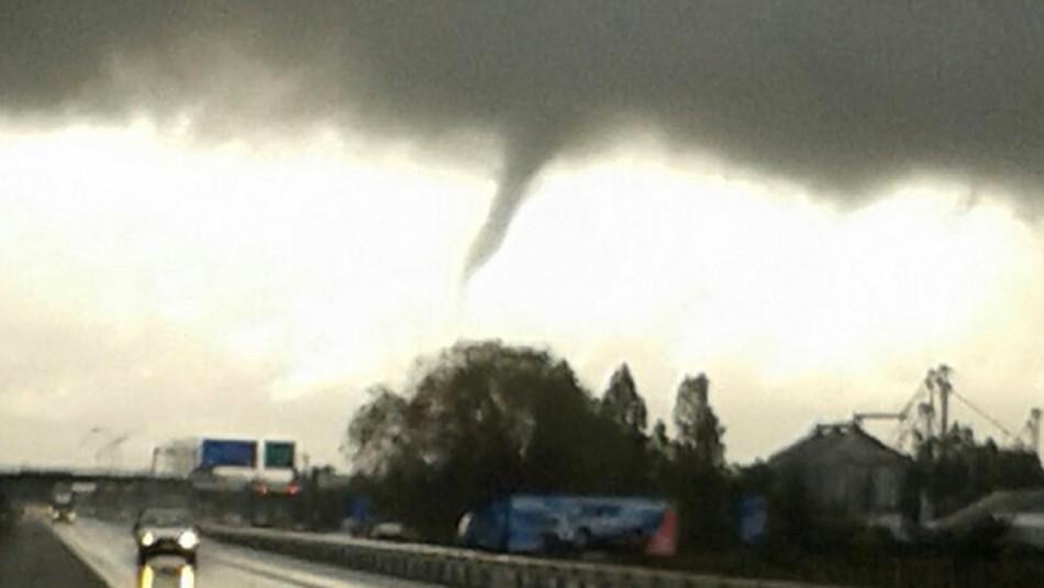 Onemi advierte posibilidad de tornados o trombas marinas entre Maule y Biobío