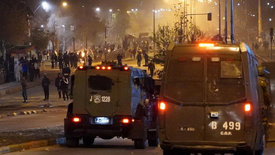 Noche de barricadas e incidentes se registraron en distintos puntos de Santiago