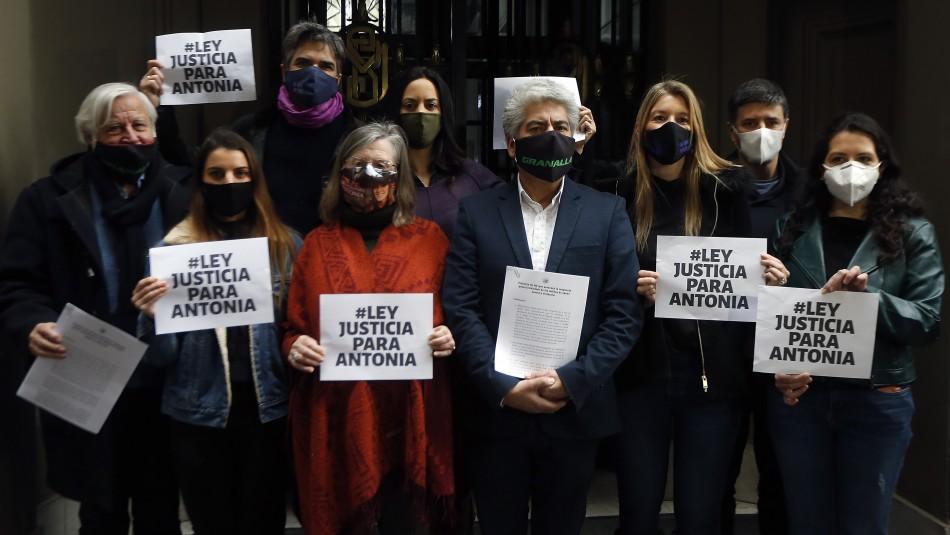 Alejandro Barra y grupo de diputados presentaron proyecto