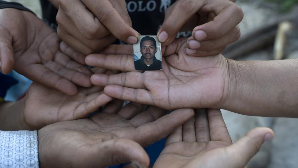 Mujer ha tenido que sepultar a sus padres y tres hermanos por causa del coronavirus