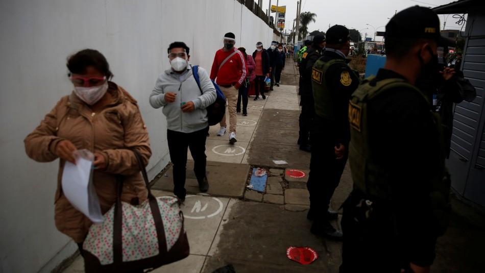 Perú supera los 18.000 muertos por coronavirus y se discuten sus cifras oficiales