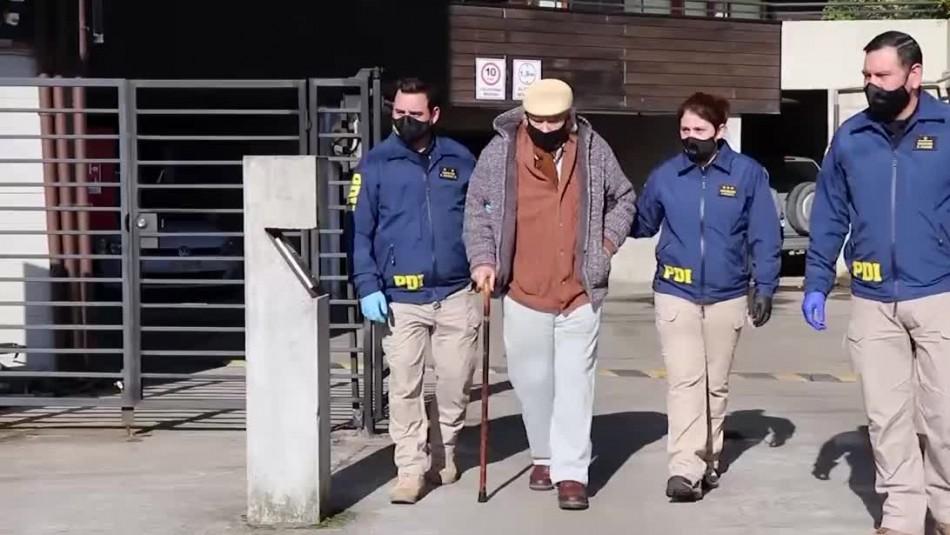 Tito Fernández es trasladado a Santiago para cumplir con prisión preventiva tras denuncias de violación y abuso sexual