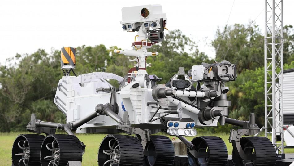 NASA envía su robot explorador a Marte para buscar rastros de vida