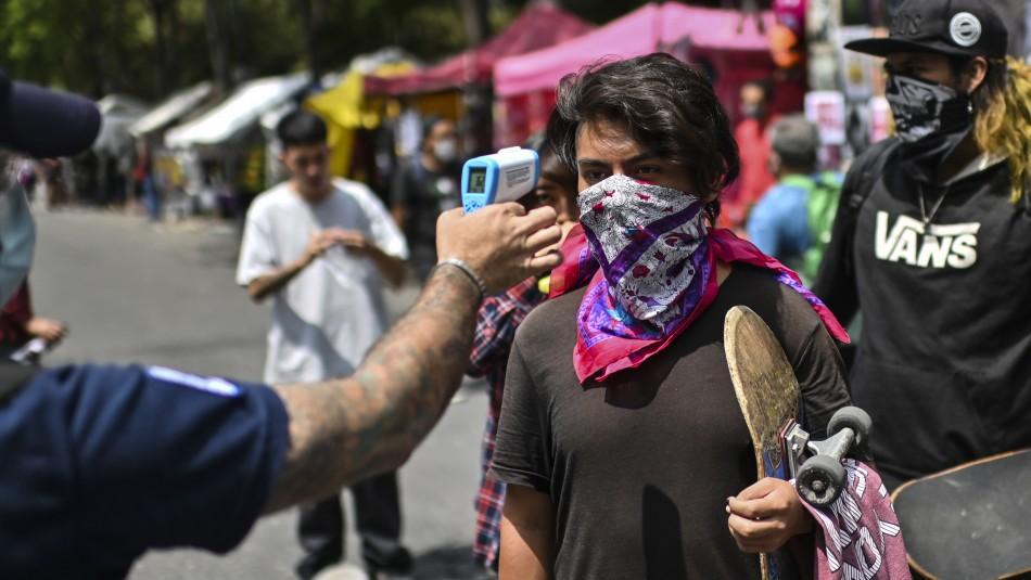 Medidas anti coronavirus: México sancionará a las personas que escupan en la calle