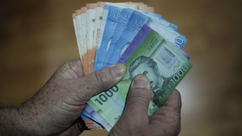 Bono de $500 mil: Presidente promulga ley de ayuda para la clase media