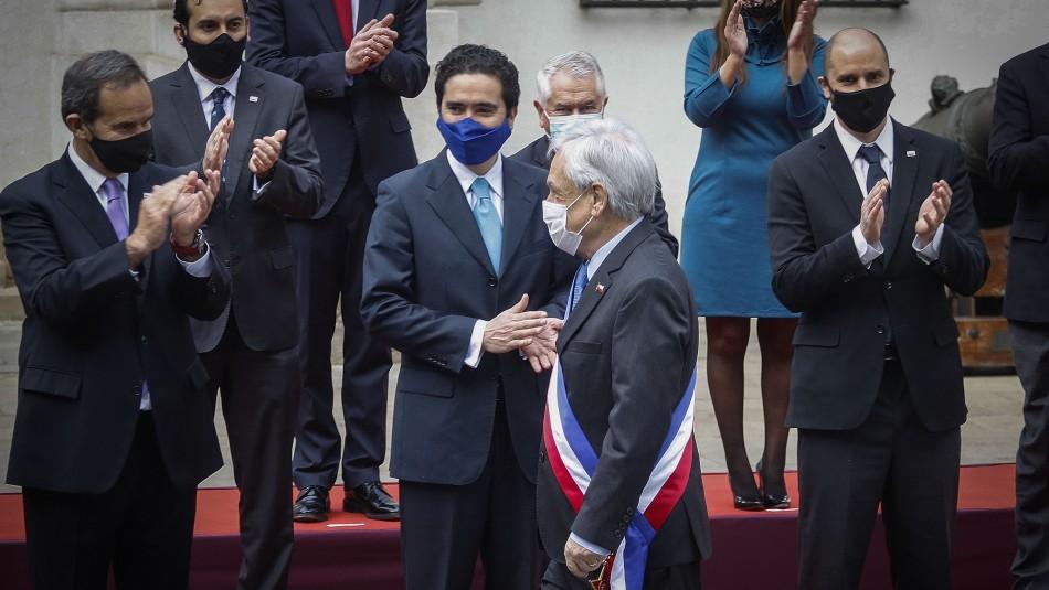 Con mascarilla y distanciamiento: Piñera y nuevo gabinete realizan foto oficial previa a Cuenta Pública