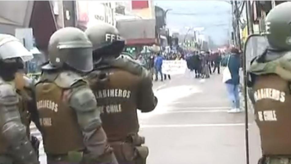 Incidentes se registran en Temuco tras llegada de ministro Pérez a La Araucanía