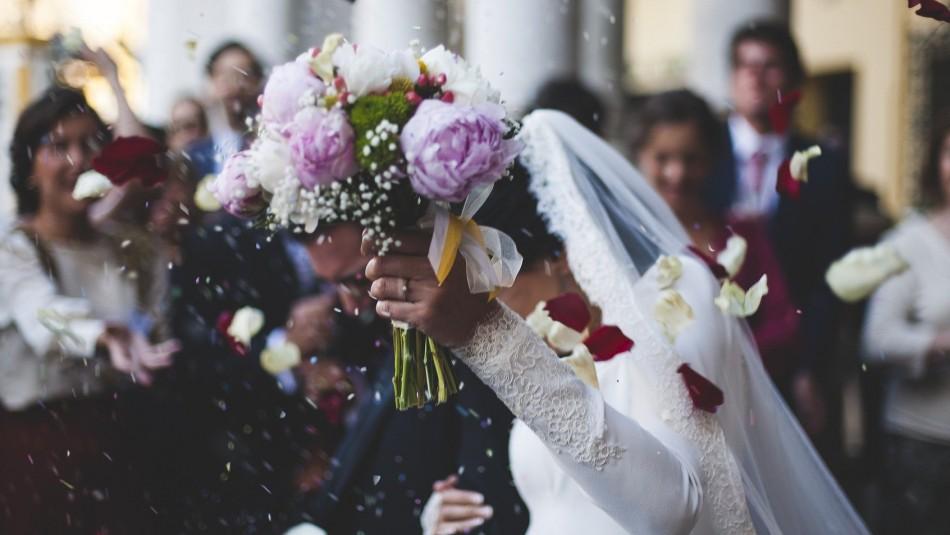 Madre interrumpe casamiento y encara a la novia: