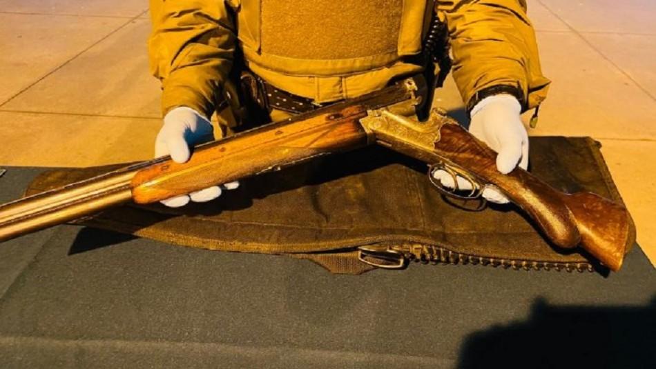 Detienen a sujeto que portaba armas en un bolso y usaba chaleco antibalas en Valparaíso
