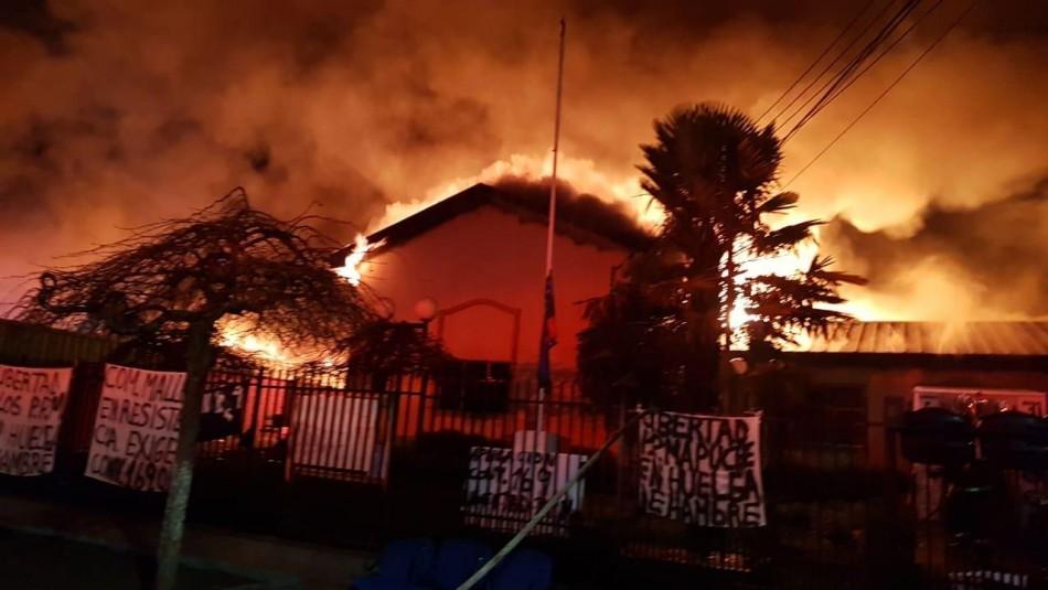 Incendio afectó a la municipalidad de Ercilla tras jornada de enfrentamientos en La Araucanía