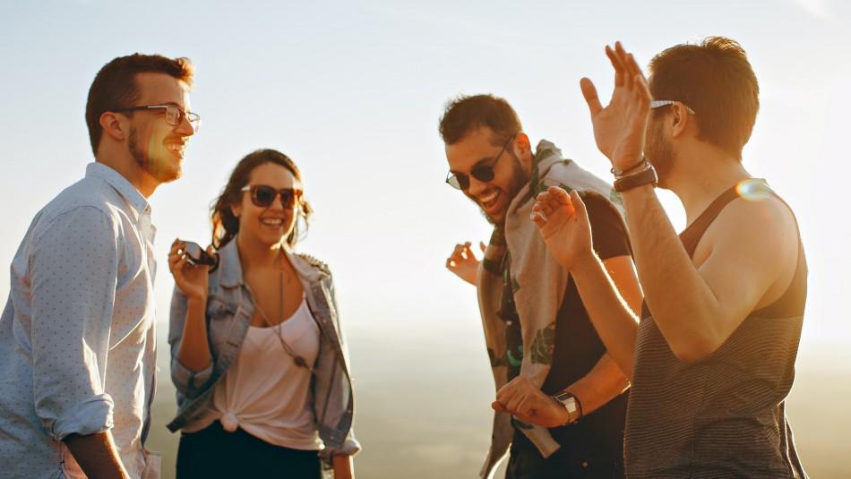 Personas que ríen a diario están mejor preparadas para sobrellevar eventos estresantes
