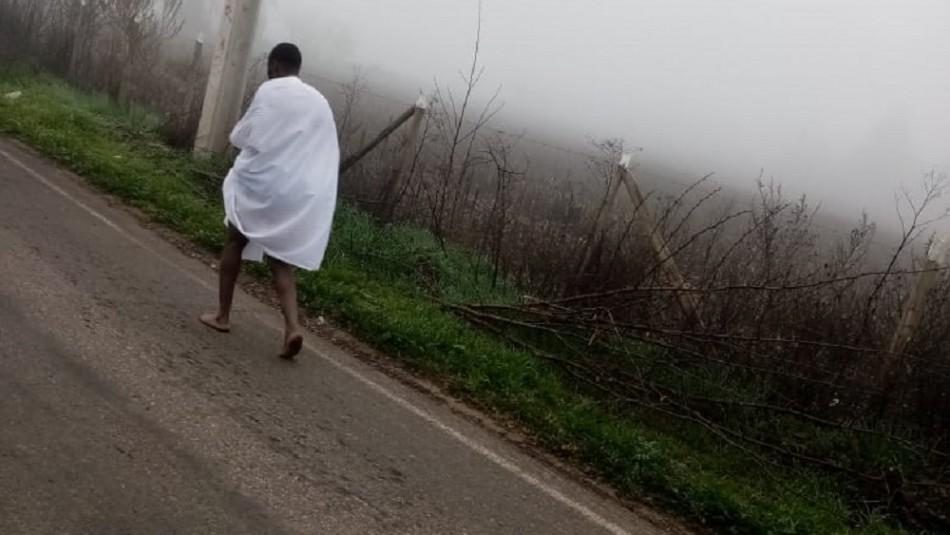 Detienen a contagiado de coronavirus que se fugó de hospital: Fue encontrado sin ropa y cubierto por unas cortinas