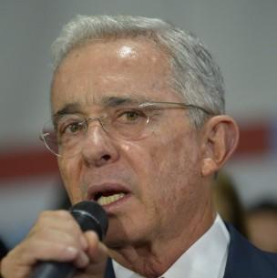 Justicia de Colombia ordena captura de expresidente Álvaro Uribe