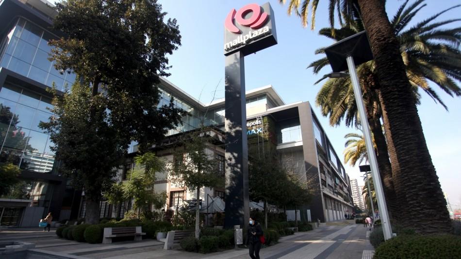 Los malls abren en Santiago.