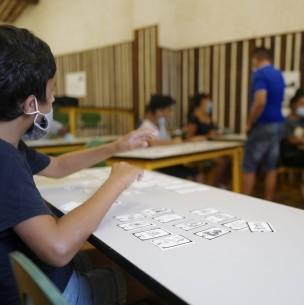 Coronavirus: Estudio asegura que sala de clases con 20 niños puede generar hasta 74 contactos estrechos en un día