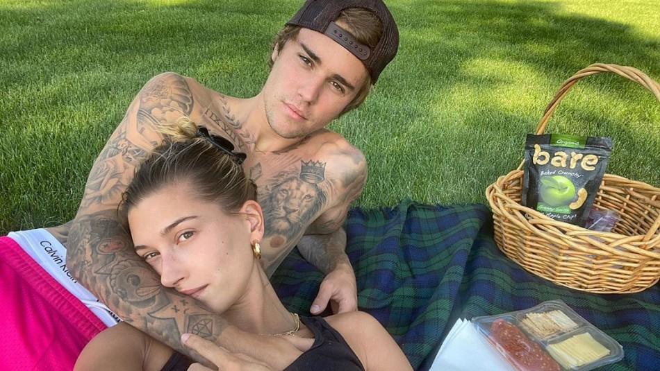 Justin Bieber se bautiza junto a Hayley Baldwin: