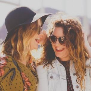 Investigación sostiene que la risa trae los mismos beneficios que la meditación