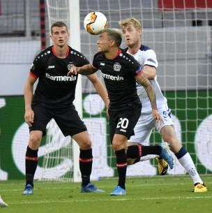 Pase gol de Charles Aránguiz da triunfo al Leverkusen: Ahora chocará ante Inter de Alexis en Europa League