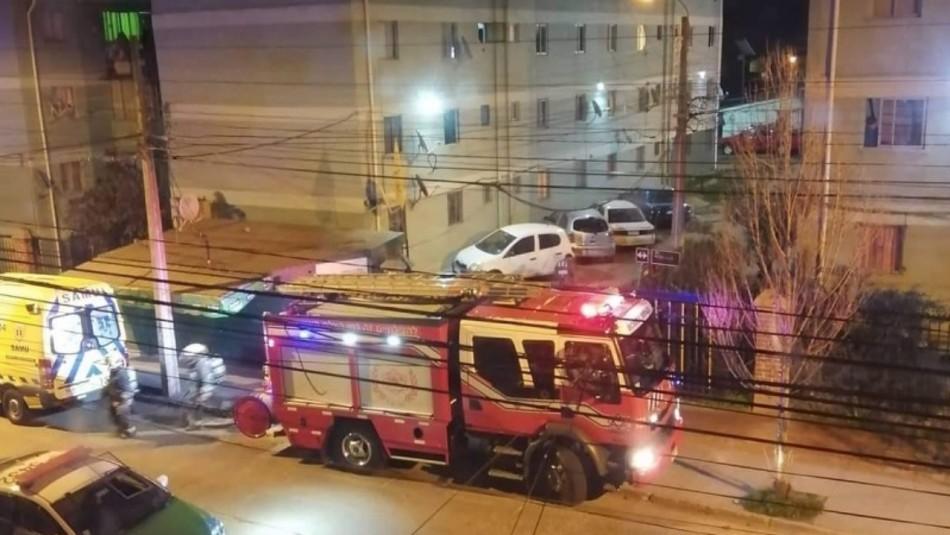Un adulto mayor fallecido y una menor lesionada tras incendio en Valparaíso