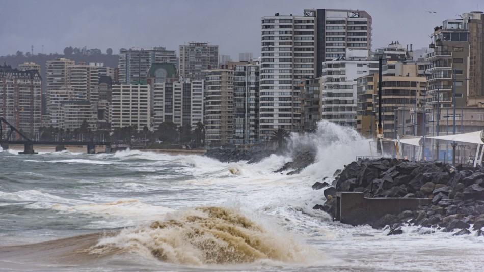 Armada emite aviso de marejadas desde el Golfo de Penas hasta Arica y Juan Fernández