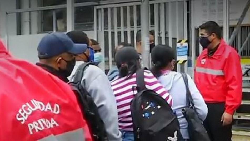 Largas filas se registran en oficina del Registro Civil para renovar el carnet de identidad