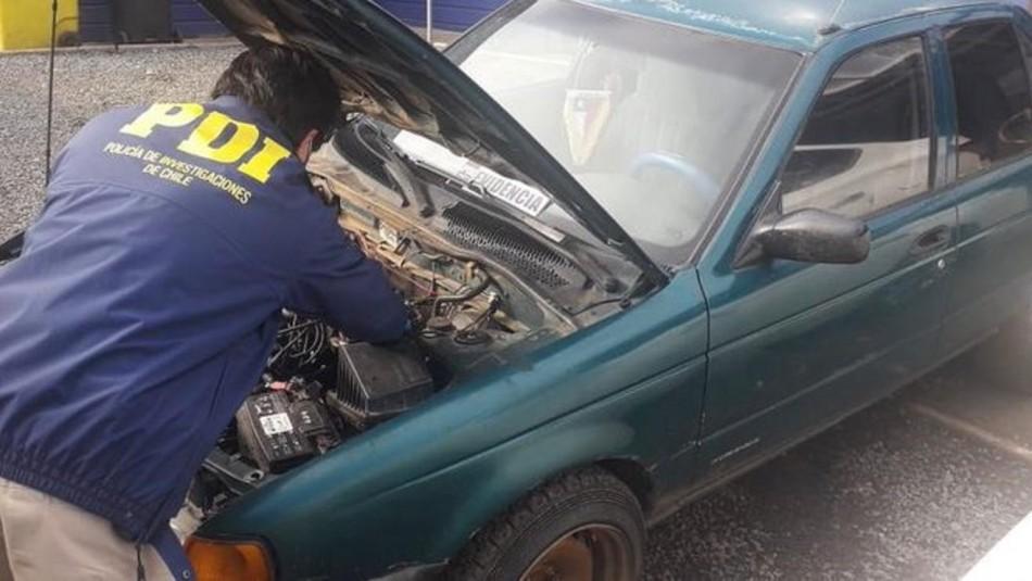 Detienen a sujeto por vender auto robado en redes sociales: Dueño se hizo pasar por comprador