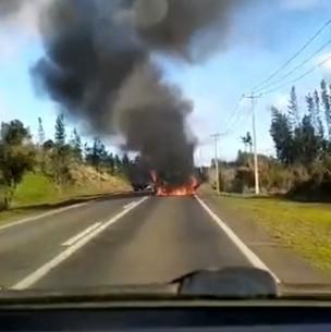 Investigan quema de camión repartidor de bebidas en la provincia de Arauco
