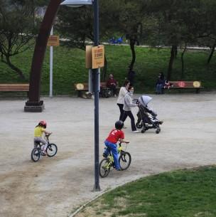 Tres veces a la semana: Piñera anuncia permisos para niñas, niños y adolescentes en cuarentena
