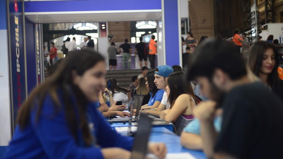 Gobierno confirma proyecto que suspende 3 cuotas del CAE por la pandemia