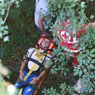 Ciclista belga Remco Evenepoel cae desde un puente en el Giro de Lombardía