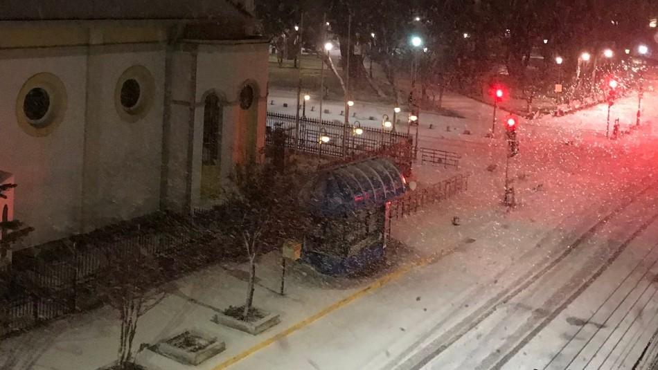 Usuarios de redes sociales registran intensa nevazón en Punta Arenas