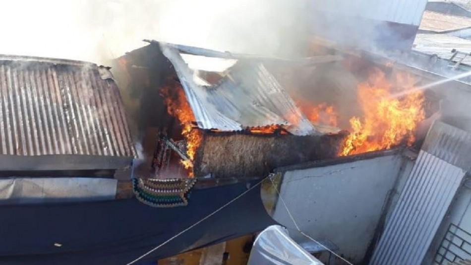 Tres niños mueren en incendio de una casa en la comuna de Lo Prado