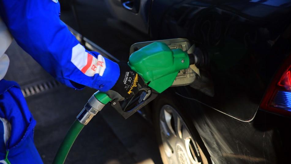 Precios de bencinas subirán este jueves luego de 24 semanas a la baja