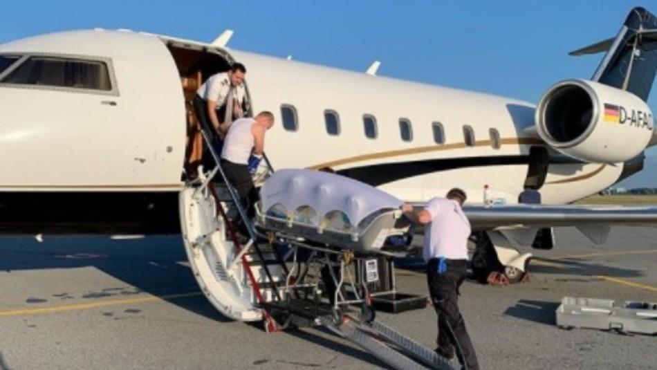 La ambulancia aérea que transporta al opositor ruso Alexei Navalny va rumbo a Alemania