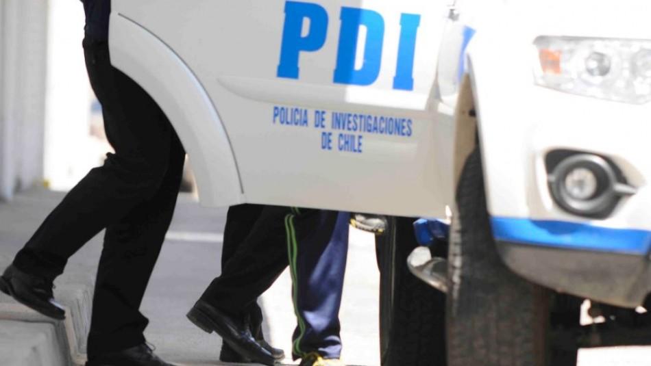 Sujeto imputado en homicidio intentó atropellar a detectives al ser fiscalizado en Alto Hospicio