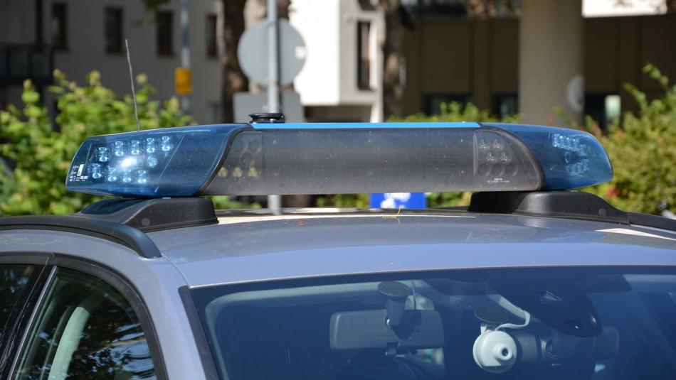 Niños mueren al interior de auto expuesto al sol: Estuvieron encerrados por al menos 90 minutos