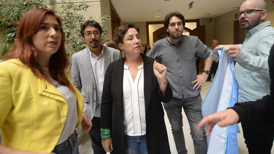 Frente Amplio responde a críticas tras definir llevar candidato propio a presidenciales