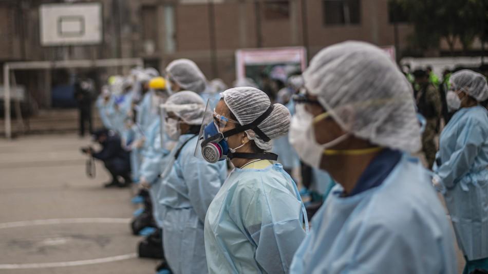 Médicos peruanos anuncian paro en plena pandemia de coronavirus