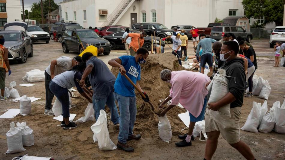 400 mil personas fueron evacuadas: Laura tocará suelo estadounidense como huracán