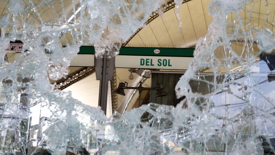 Joven de 22 años es el primer condenado por ataques al Metro de Santiago